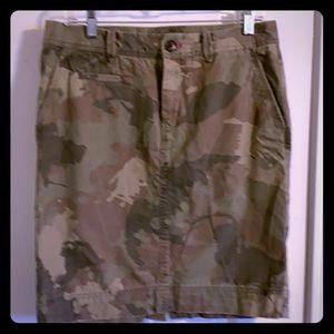 Camouflage gap skirt